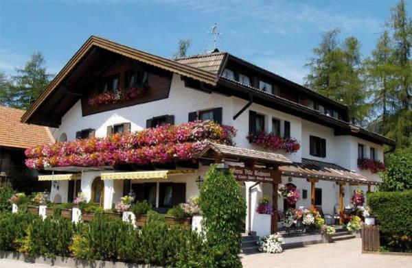 Foto estiva di presentazione Villa Bachmann - Garni + Residence 2 stelle
