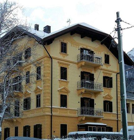 Foto esterno in inverno Europa