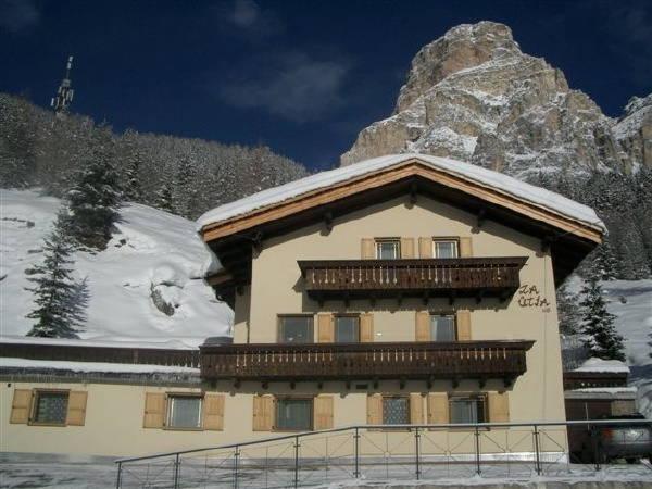 Foto invernale di presentazione B&B + Appartamenti La Ütia