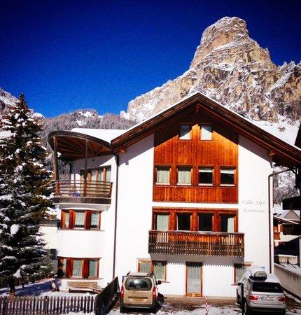 Foto esterno in inverno Casa Alpi