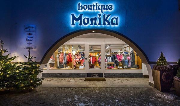 Foto estiva di presentazione Boutique Monika