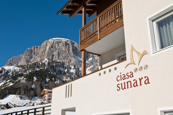 Photo exteriors in winter Apartments Ciasa Sunara