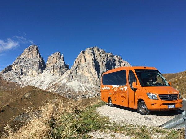 Foto di presentazione Taxi e bus Viaggi Valfassa