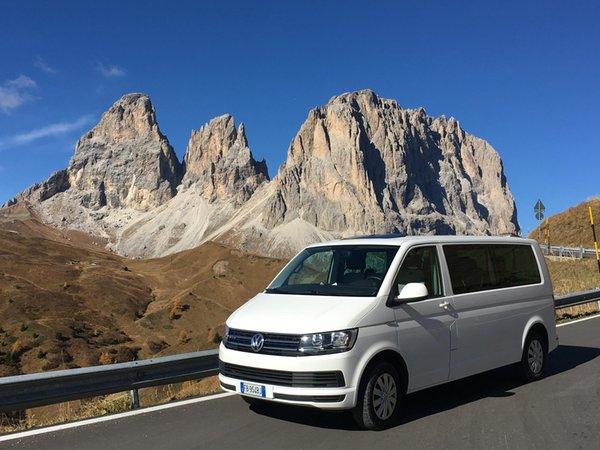 Taxi e bus Viaggi Valfassa com.xlbit.lib.trad.TradUnlocalized@15d0a90b