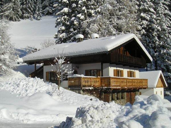 Foto esterno in inverno Baumannhof