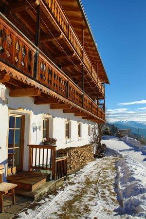 Foto esterno in inverno Hansenhof
