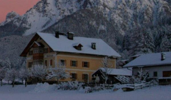 Photo exteriors in winter Villa Waldruhe