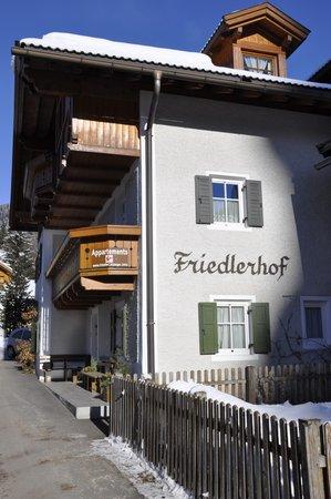 Foto esterno in inverno Friedlerhof