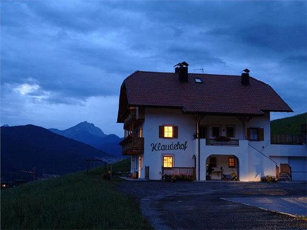 Foto esterno in estate Klaudehof