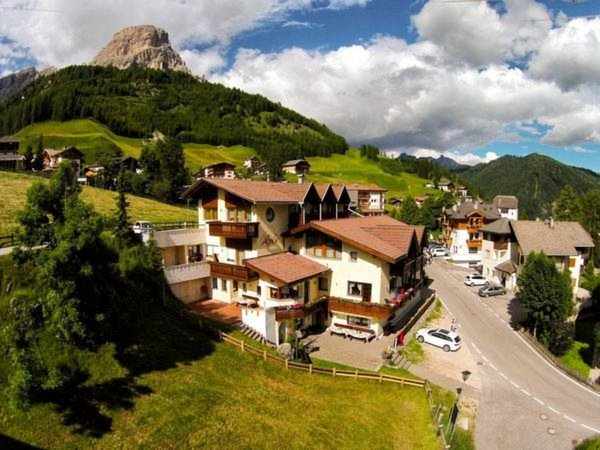 Foto estiva di presentazione Alpin Apartments