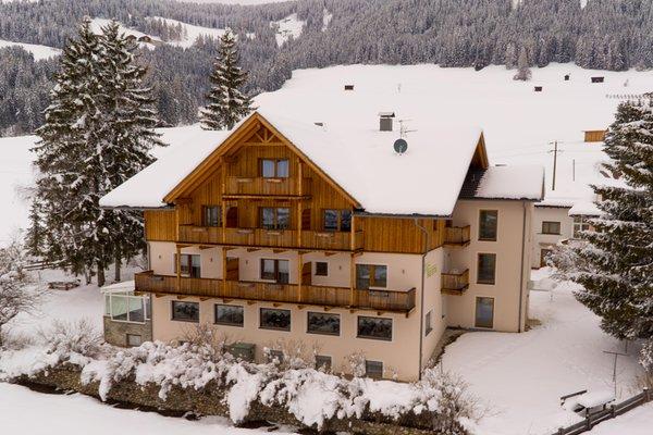 Foto invernale di presentazione Garni-Appartments Helvetia - Garni (B&B) + Appartamenti 3 stelle