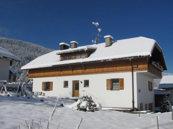 Foto invernale di presentazione Hoferhof - Appartamenti in agriturismo 3 fiori