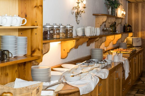 Das Frühstück Hotel Mountain Refugium Hohe Gaisl