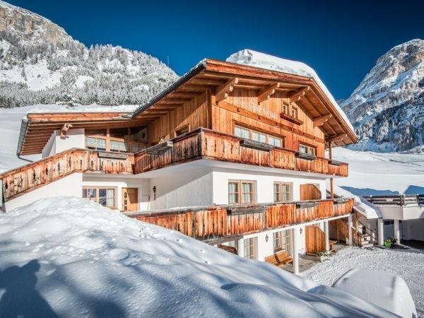 Foto invernale di presentazione Apartments Costa Burjada - Residence 2 stelle