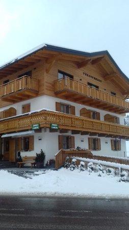 Foto esterno in inverno Försterhaus