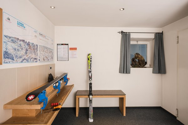 Der Skiraum Hotel Royal
