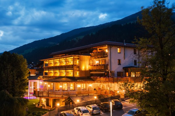 Foto estiva di presentazione Dolomites.Life.Hotel Alpenblick - Hotel 4 stelle sup.