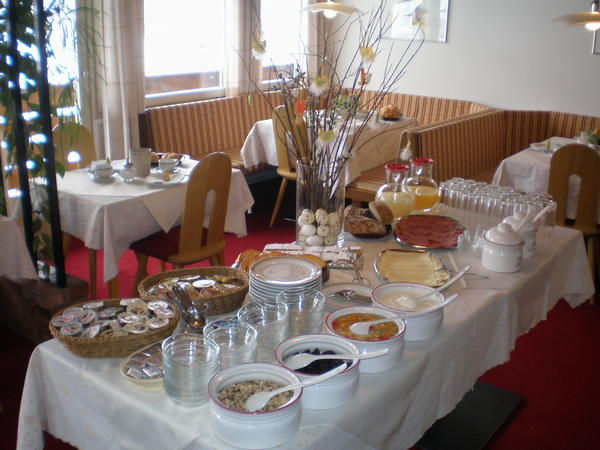 The breakfast Garni + Apartments Bergland - B&B + Apartments 3 stars