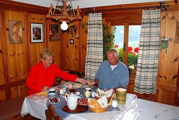 Das Frühstück B&B auf dem Bauernhof Innerrauthof