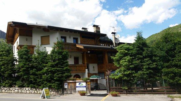 Sommer Präsentationsbild Chalets Dolomites Brigitte - Appartements & B&B