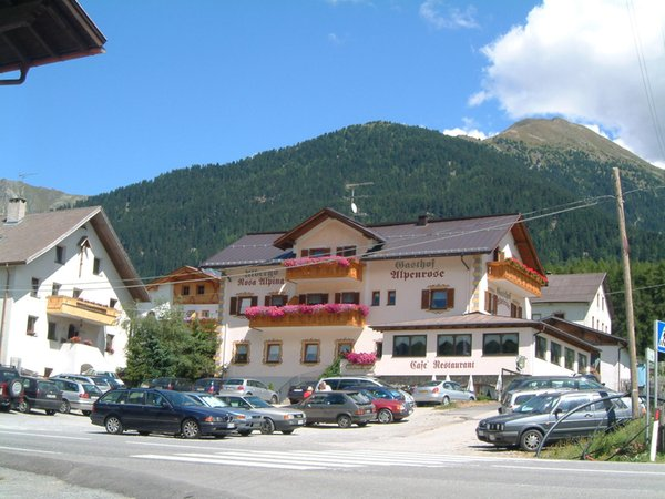 Foto esterno in estate Alpenrose