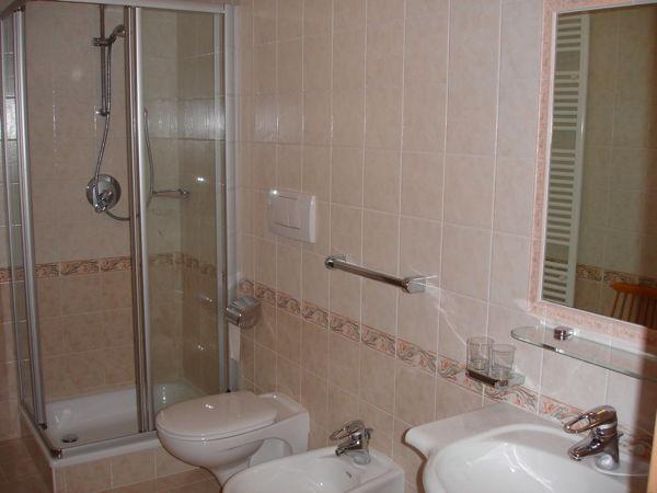 Photo of the bathroom Apartments Ciasa Felicita