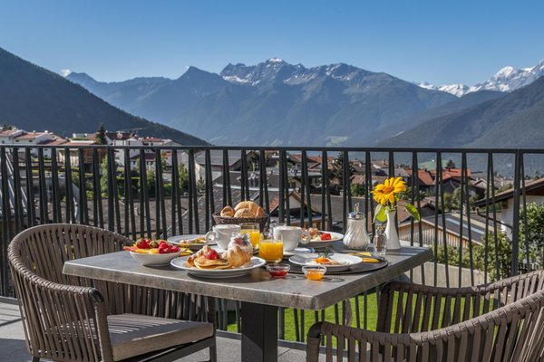 Foto del balcone Aparthotel Maraias – Luxury Suites & Apartments