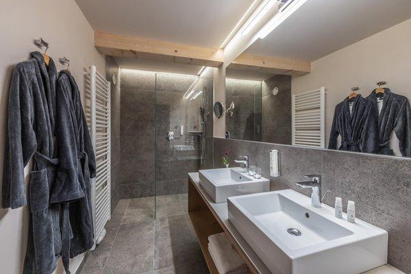 Foto del bagno Aparthotel Maraias – Luxury Suites & Apartments