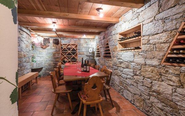 La cantina dei vini Sluderno Saldur Small Active Hotel