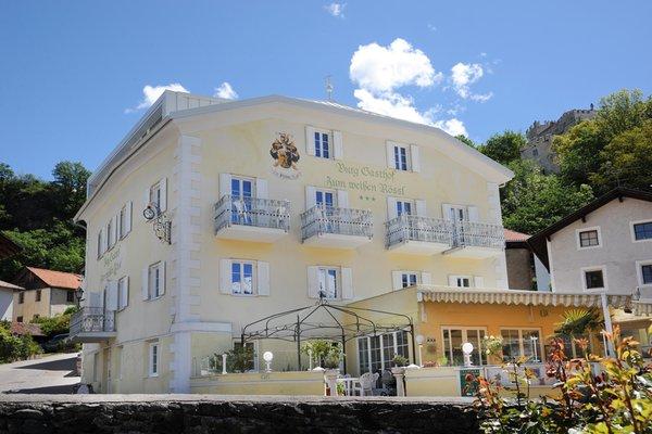 Foto estiva di presentazione Burggasthof Zum Weissen Rössl - Gasthof (Albergo) 3 stelle