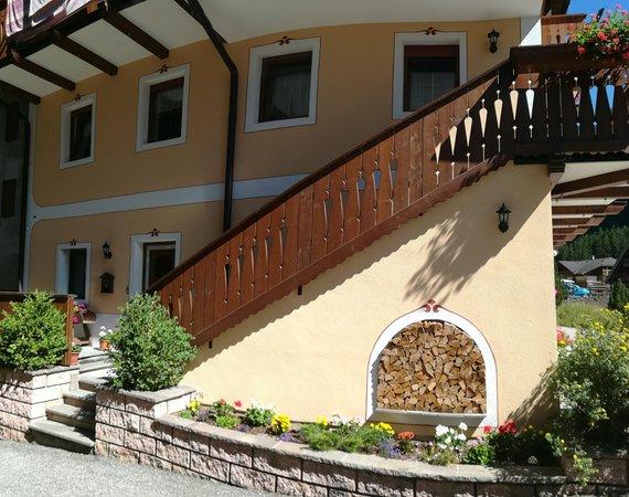 Foto esterno in estate Riz Claudio