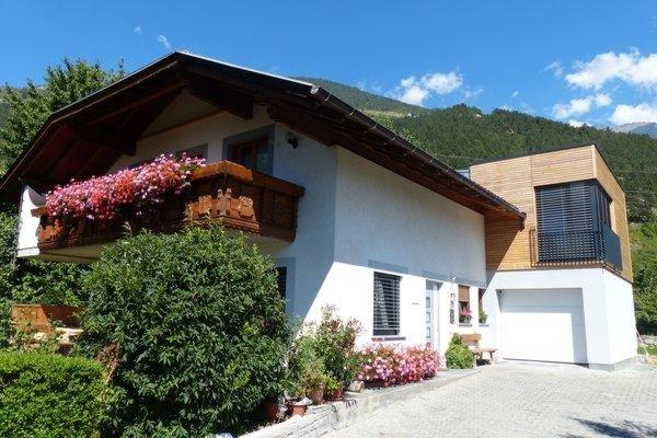 Foto estiva di presentazione Haus Niederfriniger - Camere + Appartamenti 3 soli