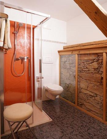 Foto del bagno Appartamenti in agriturismo Fohlenhof