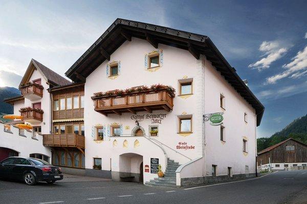 Foto estiva di presentazione Hotel Schwarzer Adler