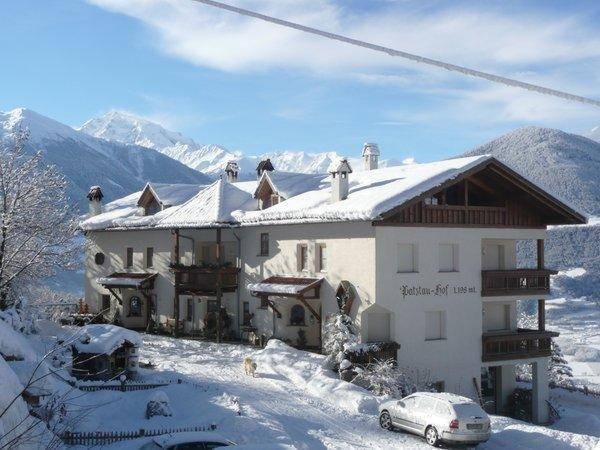 Foto invernale di presentazione Patztauhof - Appartamenti in agriturismo 3 fiori