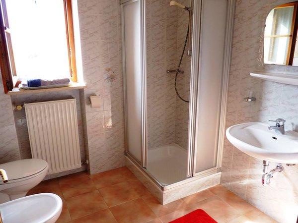 Foto del bagno Appartamenti in agriturismo Walterhof