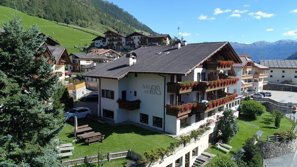 Foto estiva di presentazione Hotel Am Fels