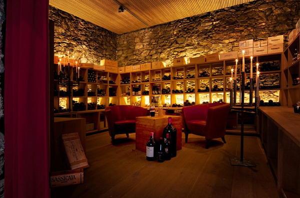 La cantina dei vini Marlengo Bio- & Wellnesshotel PAZEIDER