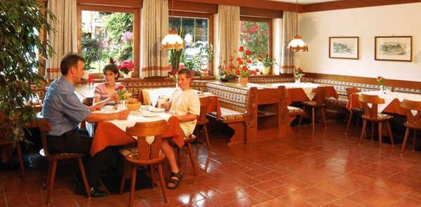 Il ristorante Marlengo Bründlerhof