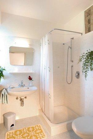 Foto del bagno Camere private + Appartamenti Sonnegg