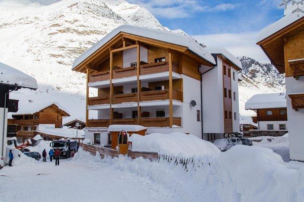 Foto esterno in inverno Alpshotel Bergland