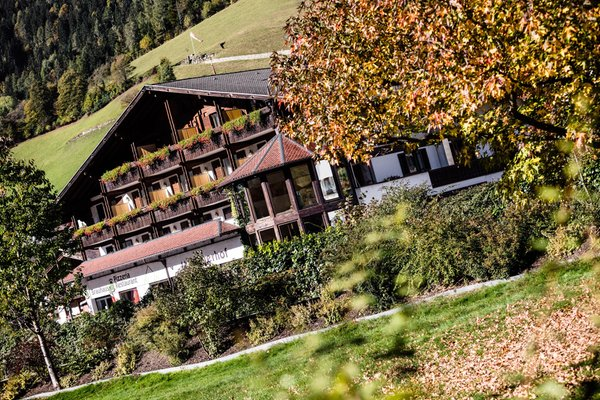 Foto esterno in estate Martinerhof's Brauhotel