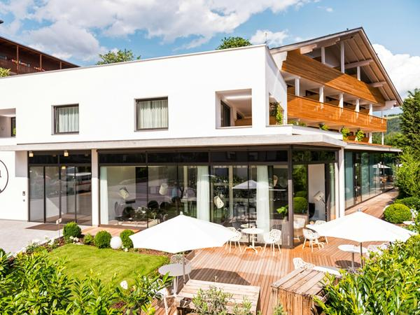 Foto esterno in estate Design Hotel Tyrol Rabland