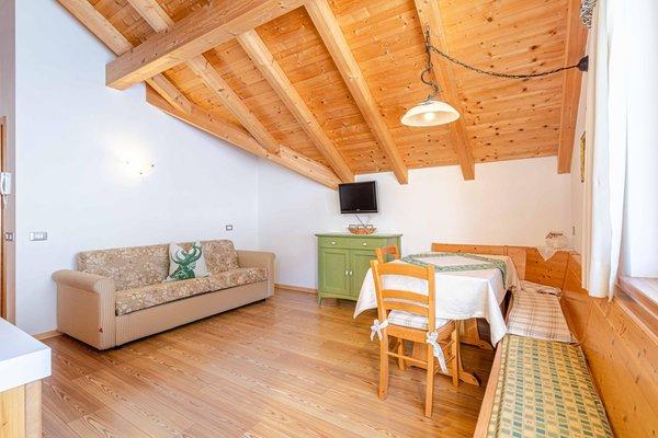 La zona giorno Appartamenti in agriturismo Maso Planat