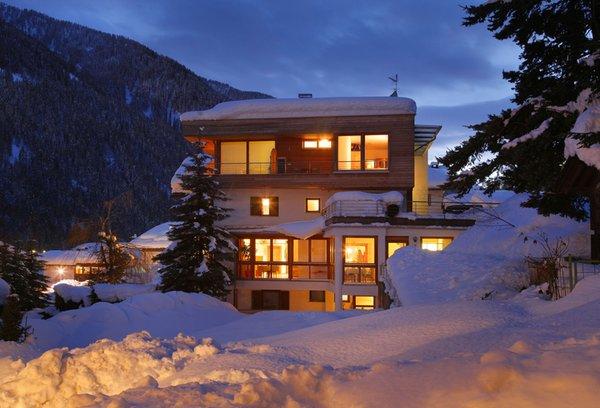 Foto esterno in inverno Vitalhotel Rainer