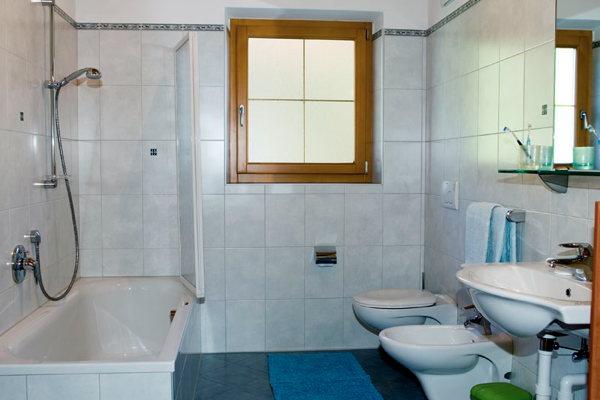 Foto del bagno Appartamenti in agriturismo Zeppenhof