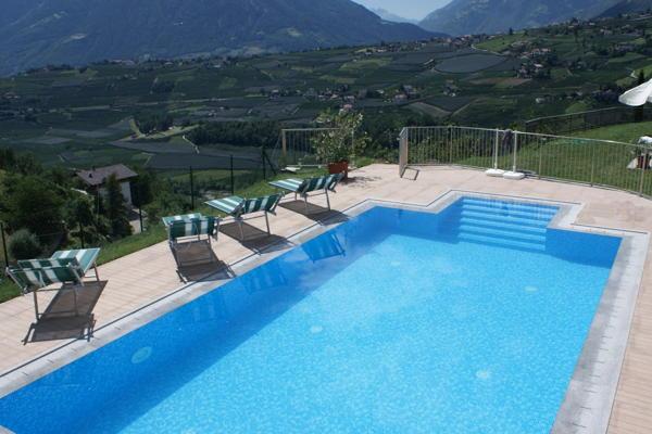 La piscina Fiegl - Residence 3 soli