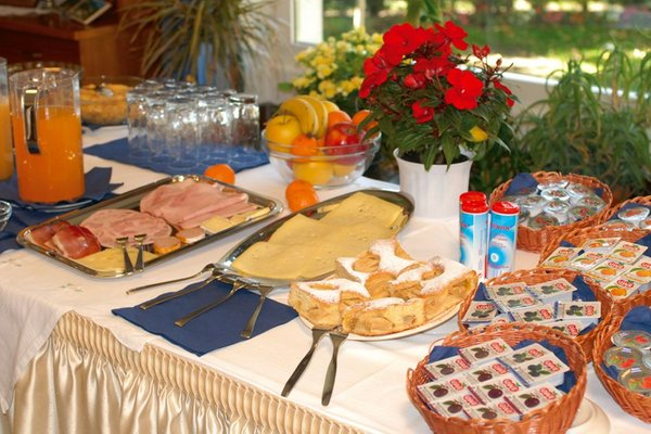 Das Frühstück Garni (B&B) Alpenland