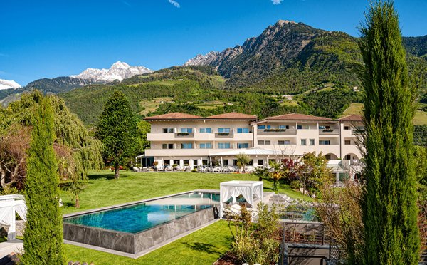 Foto esterno in estate FAYN garden retreat hotel