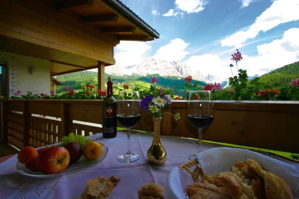 Foto vom Balkon Mountain Panoramic Wellness Hotel Dolasilla